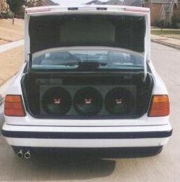 Stereo in Open Trunk